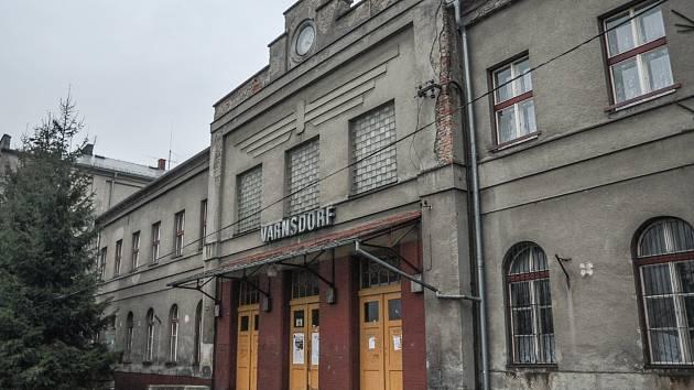 Opravy se dočká i nádražní budova ve Varnsdorfu.