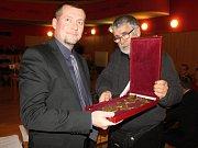 Zastupitelé v Benešově zvolili novým starostou Pavla Urxe.
