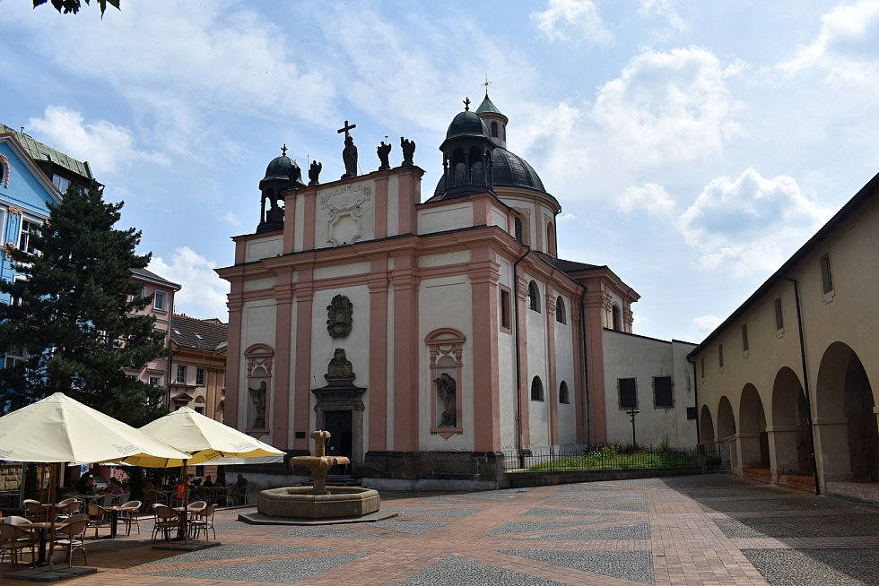 Kostel Povýšení svatého Kříže v Děčíně.