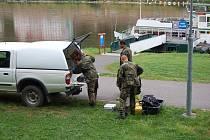 Policisté a hasiči od čtvrtečního večera pátrala po domnělém utopeném.