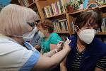 Mobilní očkovací tým v Krásné Lípě na Děčínsku.