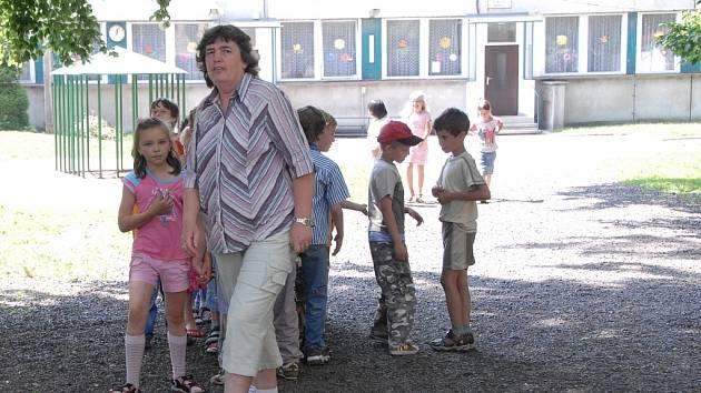 Školy musely evakuovat všechny děti.