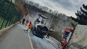 Požár finišeru v Bynově.