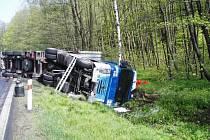 Nehoda kamionu Lesná, jeden mrtvý