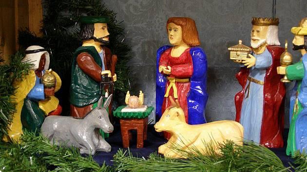 Slavnostní rozsvěcení vánočního stromu se také v Rumburku stalo už tradicí a to letošní se uskutečnilo tuto sobotu v podvečer.