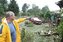 Lidé na Děčínsku odstraňují následky povodně