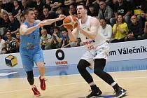 PÁTÉ VÍTĚZSTVÍ v řadě zapsali děčínští basketbalisté, doma porazili Olomoucko.