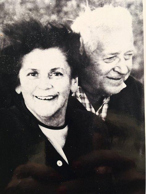 Spoluzakladatel učňovského školství vDěčíně Bohuslav Jindra smanželkou Marií Jindrovou.