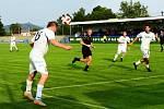 KANONÁDA. Fotbalisté Vilémova (v bílém) doma porazili Brnou 6:1.