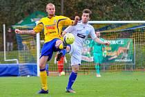 PADLI V ZÁVĚRU. Fotbalisté Varnsdorfu (ve žlutém) doma prohráli 0:1 se Znojmem.