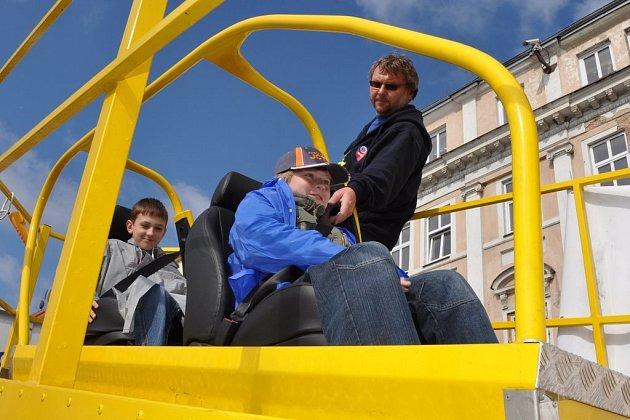 Preventivně informační skupina okresního ředitelství Policie České republiky Děčín připravila pro děti akci, Den s dopravou, ta se uskutečnila na rumburském náměstí.