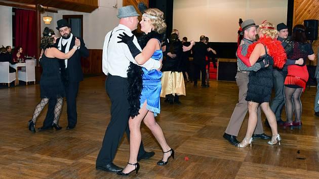 OBRAZEM  V Dolní Poustevně si užili historicky první taneční ... 80baa861bd
