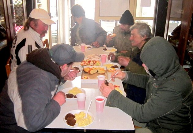 Vánoční akce pro bezdomovce