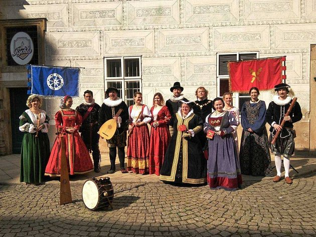Vokálně-instrumentální soubor Fragium 16 z Liberce.