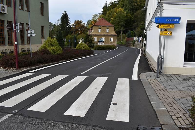 V Krásné Lípě otevřeli opravenou silnici do Velkého Šenova.