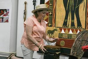 Výstava Africké umění a šperky v děčínském muzeu.