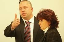ODVOLÁNÍ. Petr Benda není spokojen s prací ředitelů nemocnic, jež spadají pod Krajskou zdravotní .
