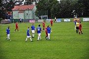 OSLAVY. Fotbalisté Šluknova porazili v dohrávce Jiříkov 9:0 a mohli oslavit postup do I.A třídy.