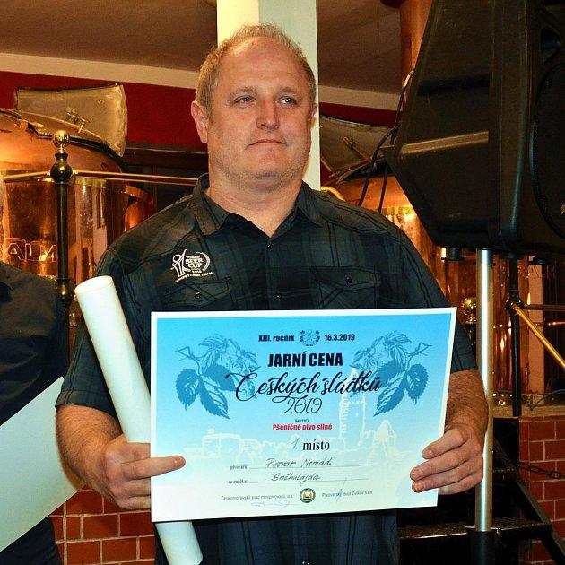 Majitel a sládek pivovaru Nomád Jan Kočka.