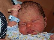 Petře Steinové z Varnsdorfu se 10. října ve 23:00 v rumburské porodnici narodil syn Jan Novosad. Měřil 51 cm a vážil 3,3 kg.