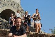 Vášniví turisté zahájili sezonu v národním parku několikakilometrovým výletem.