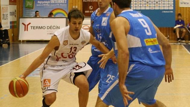 BRAVO! Děčínští basketbalisté porazili silný Prostějov 88:77.