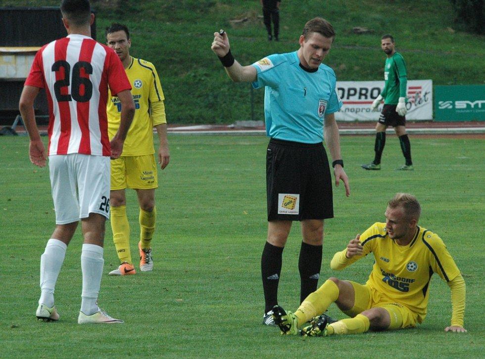 VARNSDORF (ve žlutém) doma remizoval se Žižkovem 0:0.