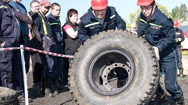 Na sjezdovku v Horním Podluží dorazili hasiči z celého výběžku i z německého Putzkau.