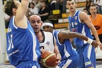 První utkání play off zvládl Děčín na jedničku.