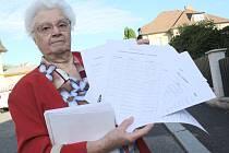 Hlavní organizátorkou petice se stala Markéta Valterová. Je jí 85 let.
