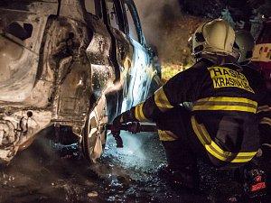 Požár auta v Doubici