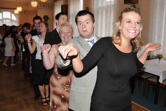 Společenské tance už ovládají