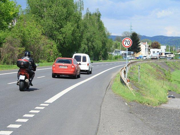 Ve Vilsnici byla snížena rychlost z 90 km/h na 70 km/h.