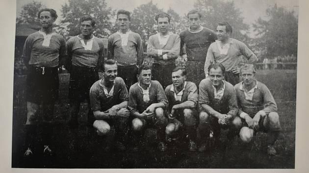 Několik snímku děčínské kopané do roku od roku 1945 do roku 1955.