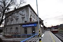 Nádraží v Dolní Poustevně čeká na vlaky z Německa, tam ale ještě neleží koleje
