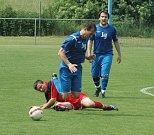 DOBKOVICE (v červeném) nastřílely v Chuderově čtyři góly. Přesto prohrály 4:8.