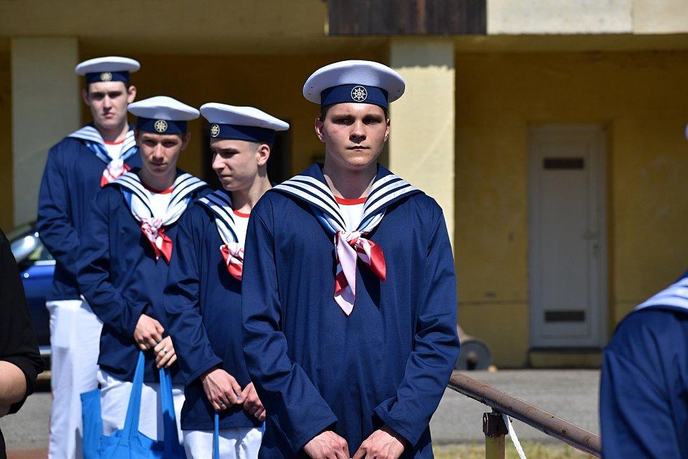 Šífácké učiliště v Děčíně může konečně naplno využívat dílenskou loď.