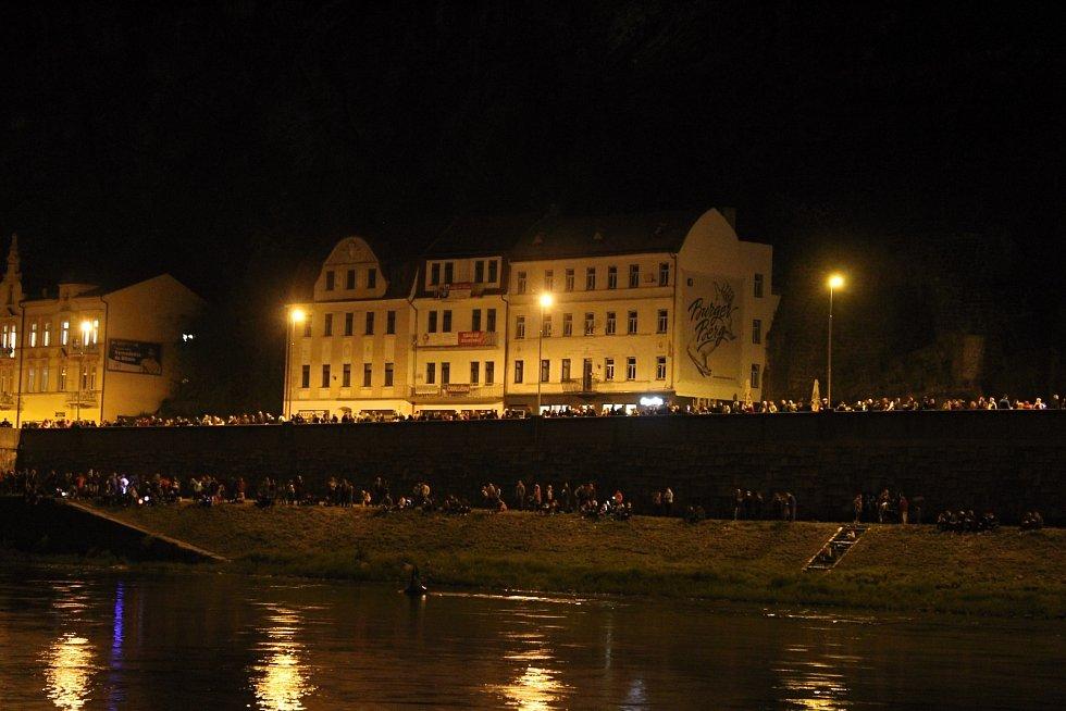 Slavnosti v Děčíně zahájil první den Labefestu a ohňostroj.