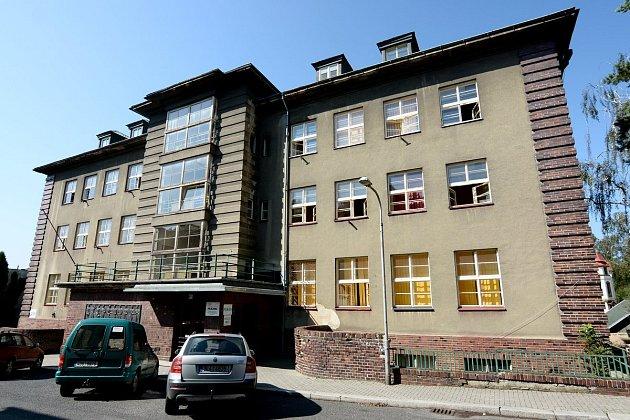 Lužická nemocnice vRumburku.