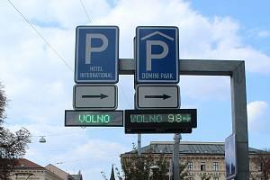 Podobné informační cedule o volných místech na parkování by v budoucnu rádo mělo i město Děčín.
