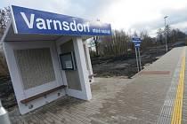 Nádraží ve Varnsdorfu má modernizované nástupiště.
