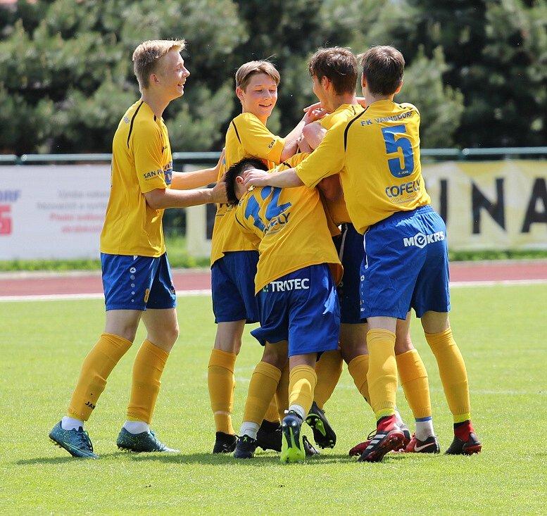 MLADŠÍ DOROSTENCI Varnsdorfu rozstříleli Českou Lípu 6:0.