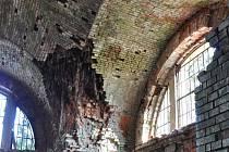 Klenby v hrobce rodiny Dittrich v Krásné Lípě bude možné zachránit.