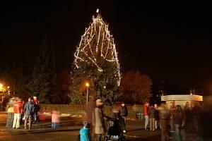 Varnsdorfáci se také dočkali svého vánočního stromu