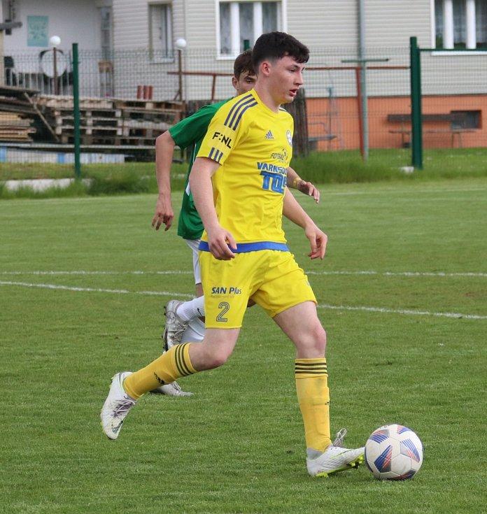 Starší dorostenci Varnsdorfu (ve žlutém) doma nestačili na tým Most/Souš, když prohráli 4:5.