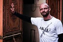 ADAM ZDOBINSKÝ - děčínský karatista, který aktuálně pracuje v Praze.