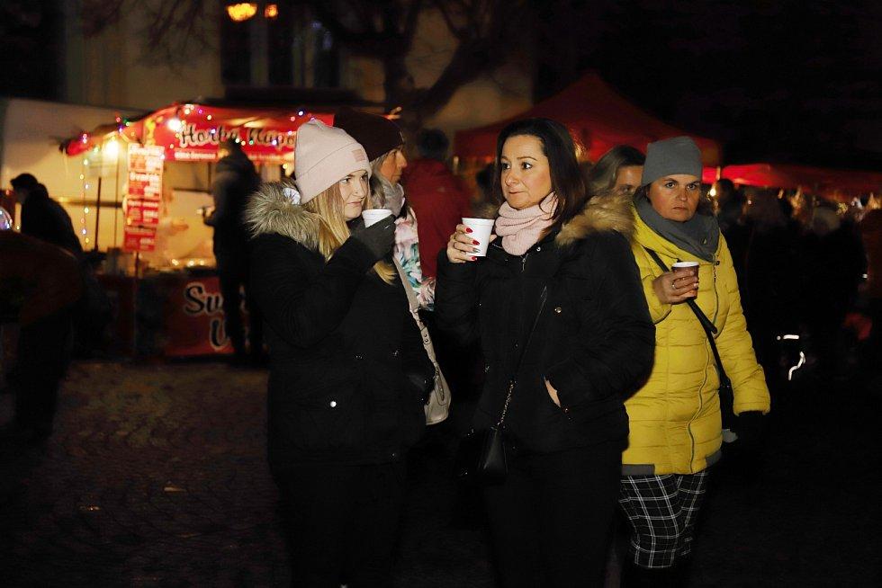Rozsvícení vánočního stromu ve Varnsdorfu