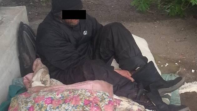 Kontroly bezdomovců v Děčíně.