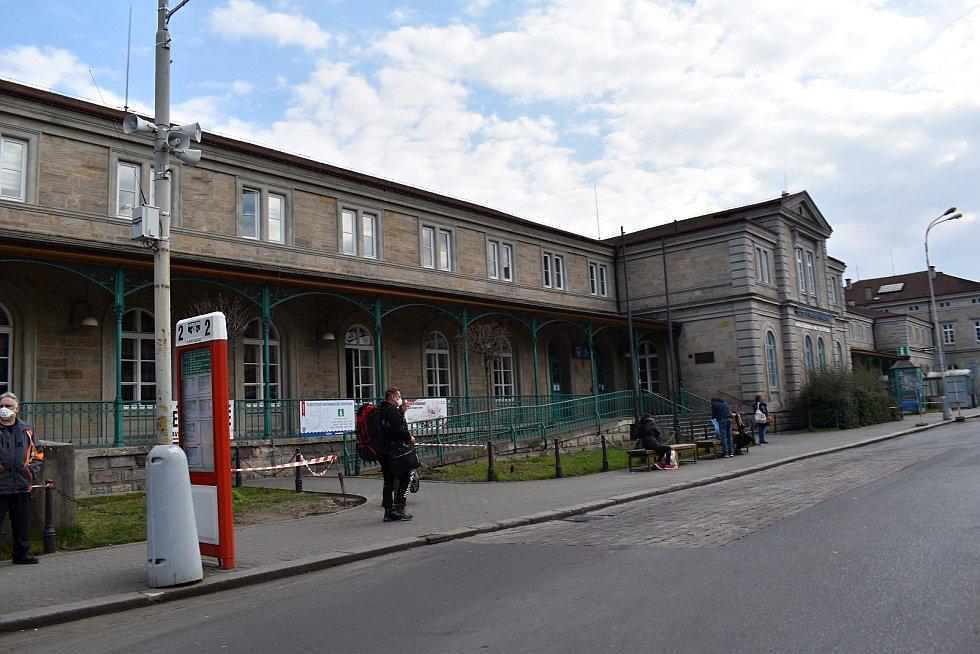 Děčín se kvůli opatřením spojeným s koronavirem vylidnil.