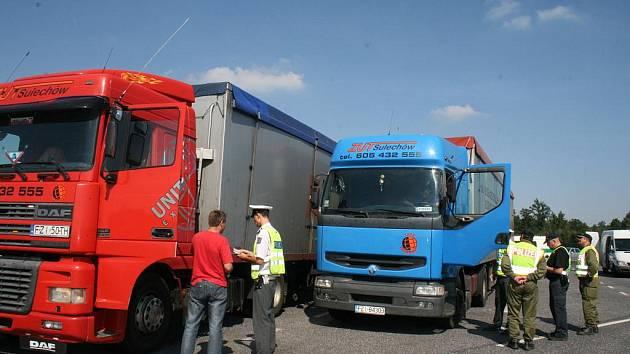 Na řidiče kamionů si tentokrát počíhali v Rumburku